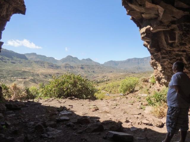 Utsikt fra den største hulen, La Fortaleza, Santa Lucia, Gran Canaria, Kanariøyene