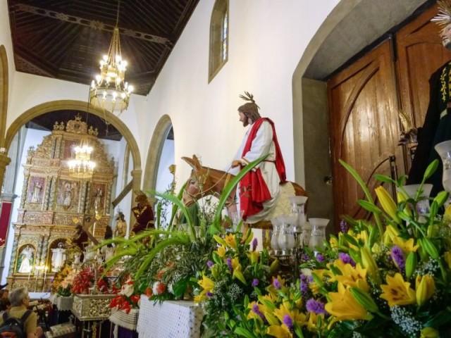Puerto del la Cruz - Utstilling av figurene fra påskeprosesonen