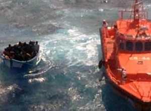 En Afrikansk forferdelig tragedie. Flykninger reddet av patruljebåt Gran Canaria