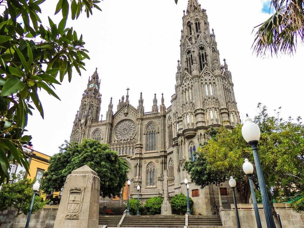 Kirken San Juan Bautista i Arucas Gran Canaria 2