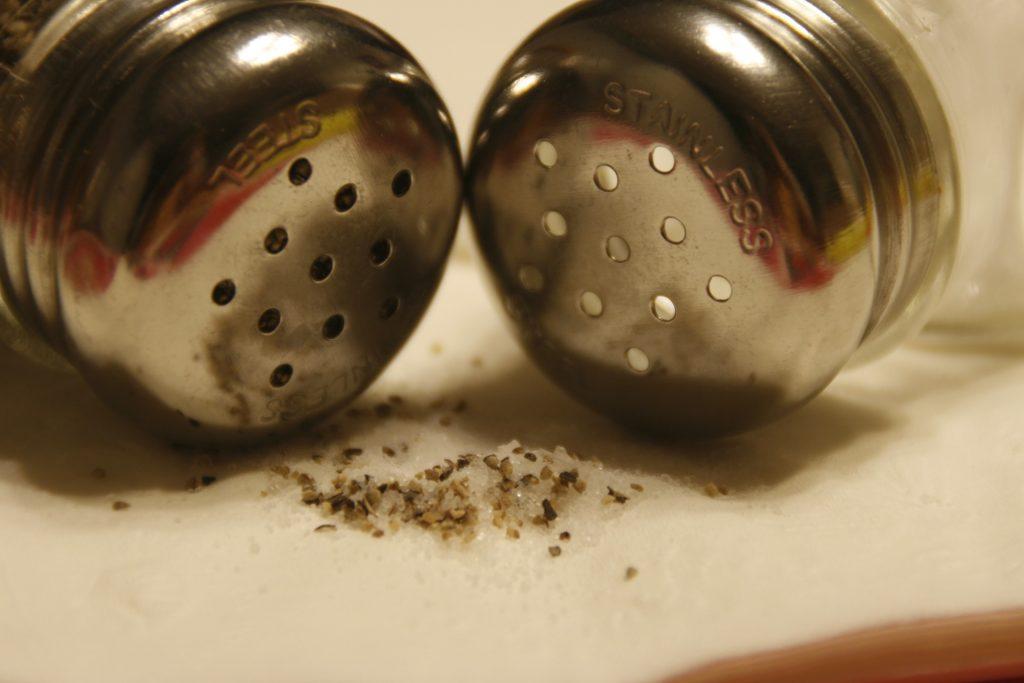 Salt og pepper burde sykepleierne delt ut - sykehushistorier fra Gran Canaria